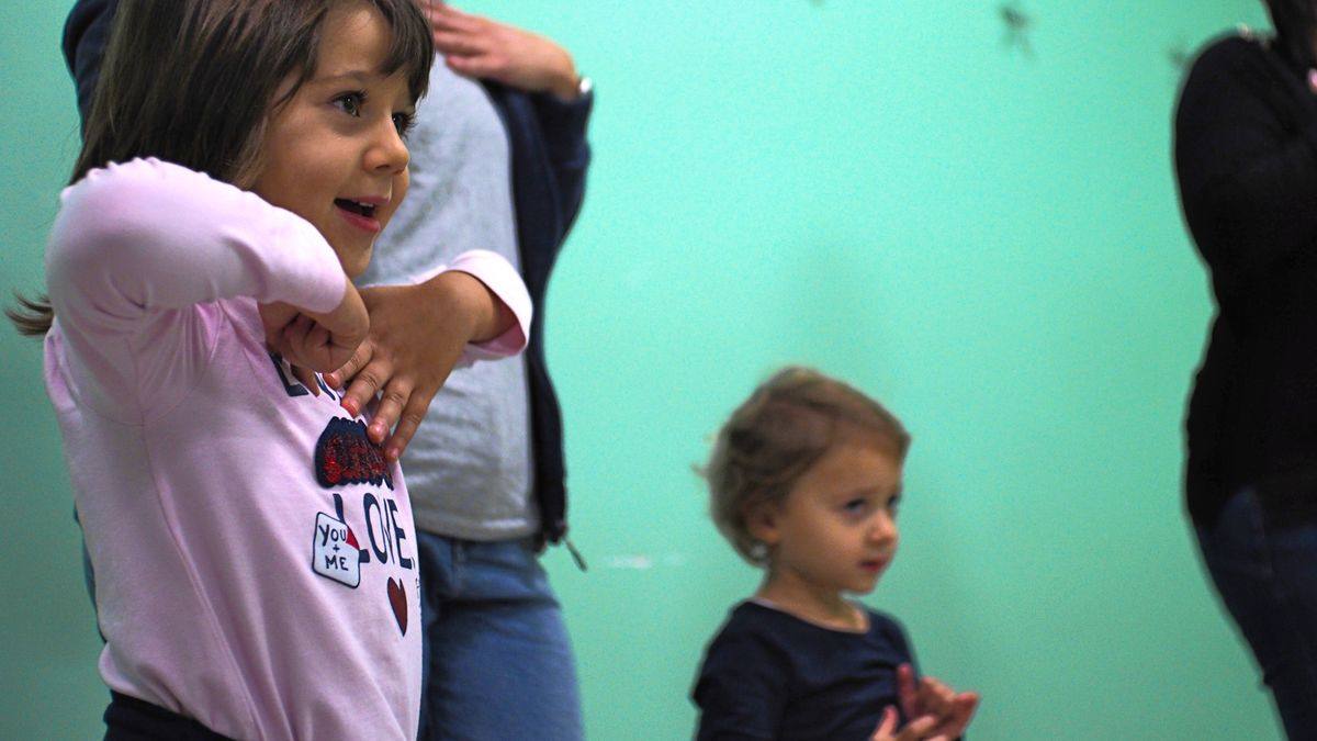 Hoplalay, bambini che imparano